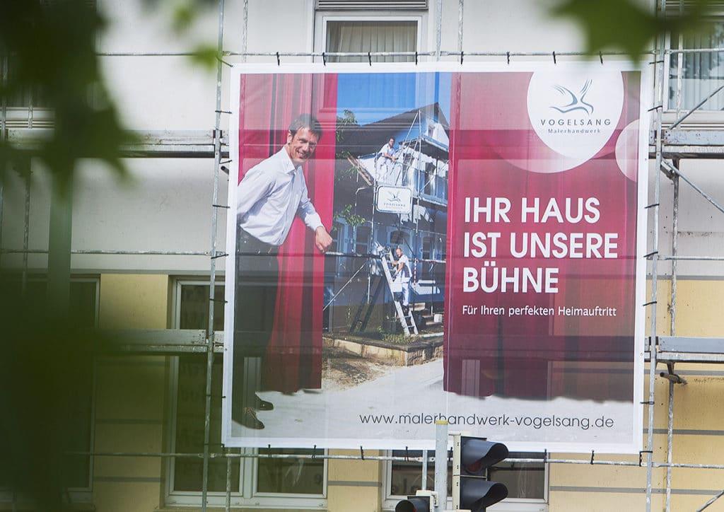 Außenwerbung : Ihr Haus ist unsere Bühne, Vogelsang. Grafikdesign von Hasegold in Osnabrück