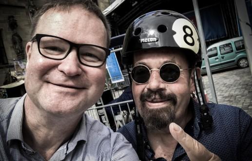 Mitgedacht: Tommy Schneller ist jetzt sicherer mit dem Fahrrad unterwegs. HASEGOLD schenkte ihm nach dem Fahrradunfall einen Helm.