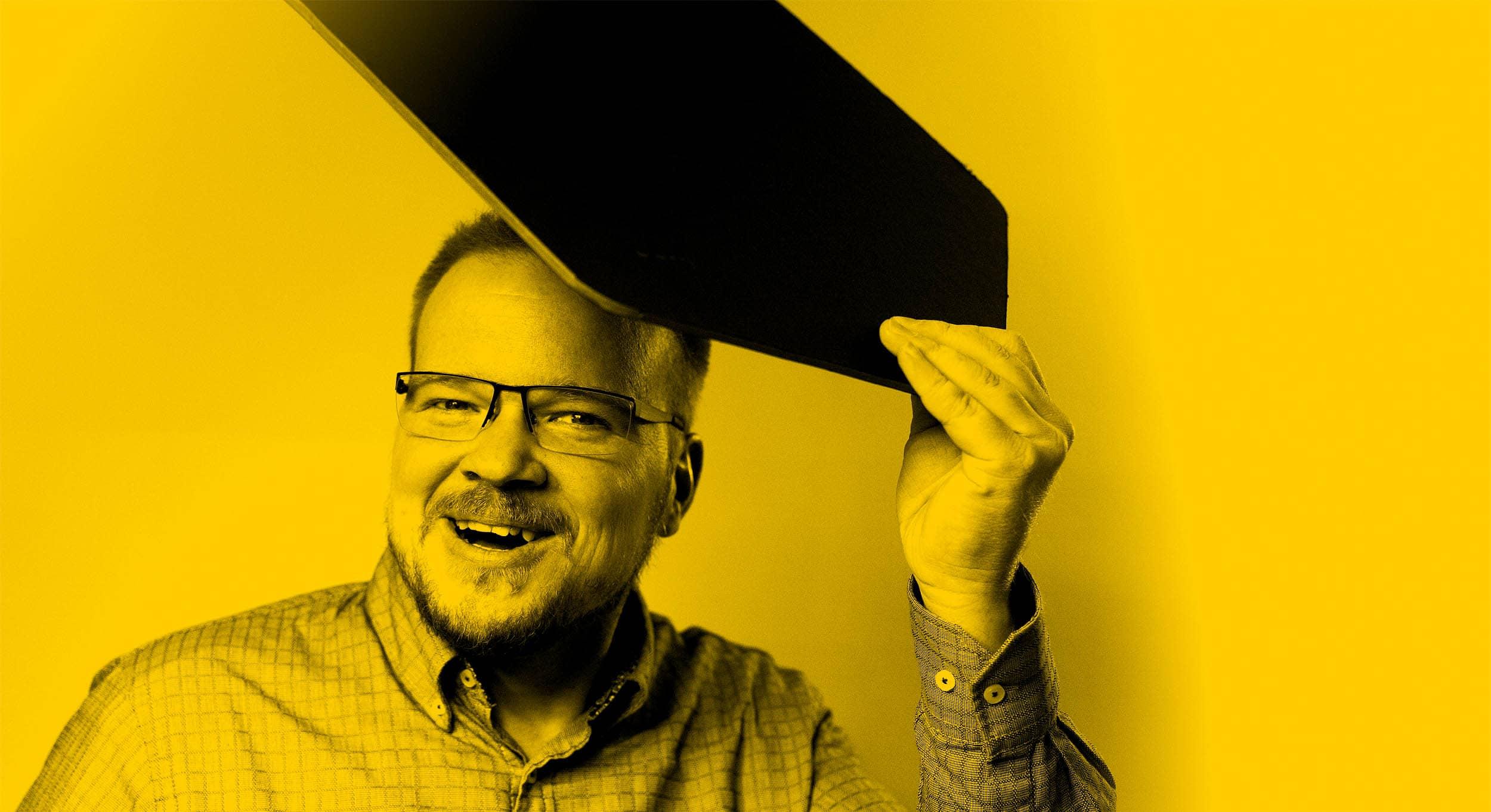 Design WordCamp durch Farbe und Schwarz-Weiss-Bildern im Gelb-Look