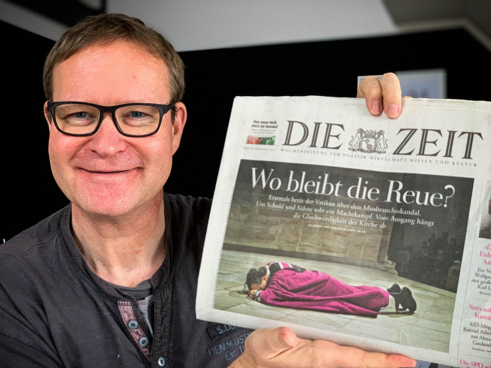 """Bildredaktion: Titelfoto auf """"DieZeit"""" /// Bischof Bode aus Osnabrück"""