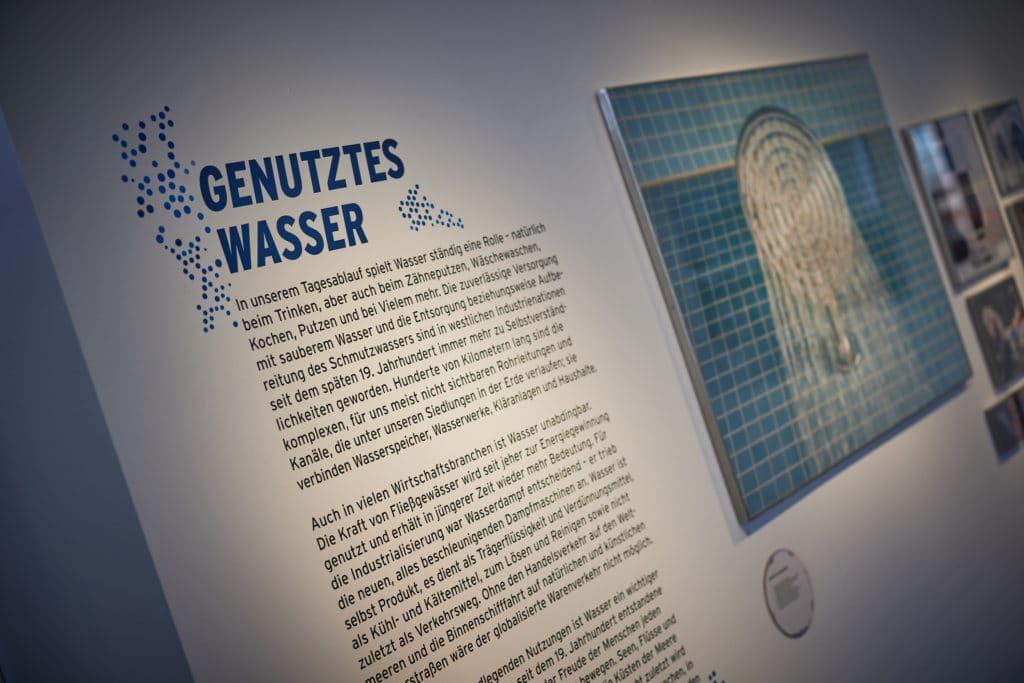 Tafel im Museum Industriekultur zur Wasser-Ausstellung.