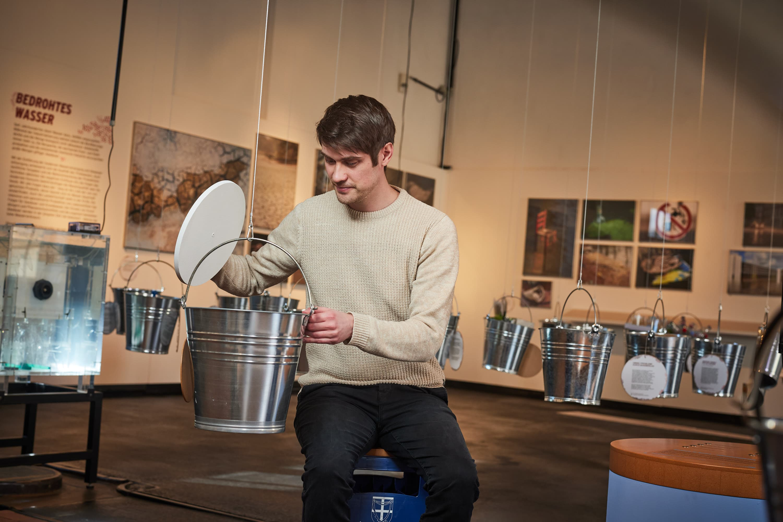 Blick in die Ausstellungseimer im Museum Industriekultur Osnabrück am Piesberg. Steffen Unland entdeckte viel neues rund um das Thema Wasser