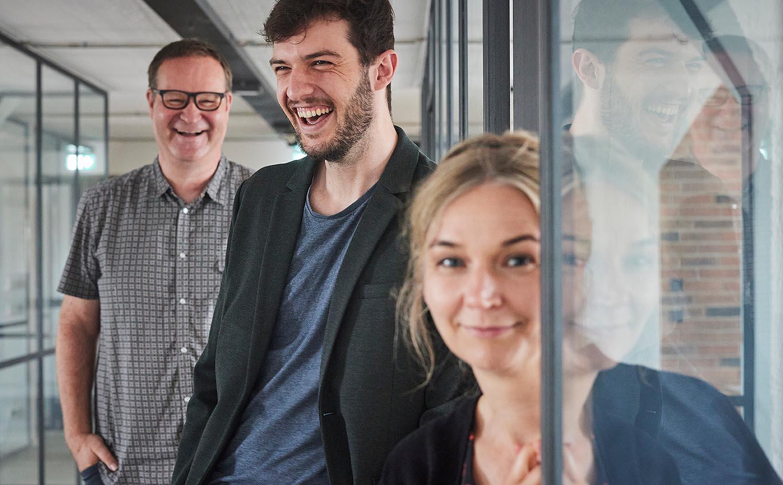 Roland Schwarz als neuer Geschäftsführer mit Detlef Heese und Julia Amelung